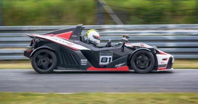 wyścigowe auto